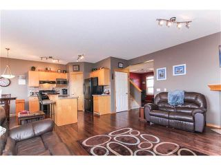 Photo 11: 381 ELGIN Way SE in Calgary: McKenzie Towne House for sale : MLS®# C4036653