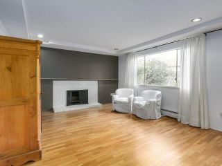 """Photo 4: 1203 555 W 28TH Street in North Vancouver: Upper Lonsdale Townhouse for sale in """"CEDAR BROOK VILLAGE"""" : MLS®# R2324026"""