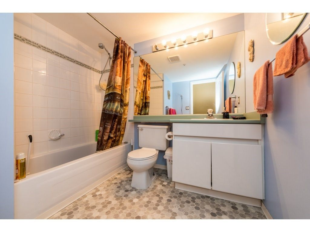 """Photo 14: Photos: 201 9626 148TH Street in Surrey: Guildford Condo for sale in """"Hartfood Woods"""" (North Surrey)  : MLS®# R2329881"""