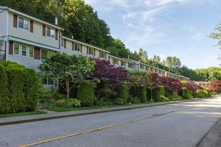 """Photo 2: 4 10000 VALLEY Drive in Squamish: Valleycliffe Townhouse for sale in """"VALLEYVIEW PLACE"""" : MLS®# R2590595"""