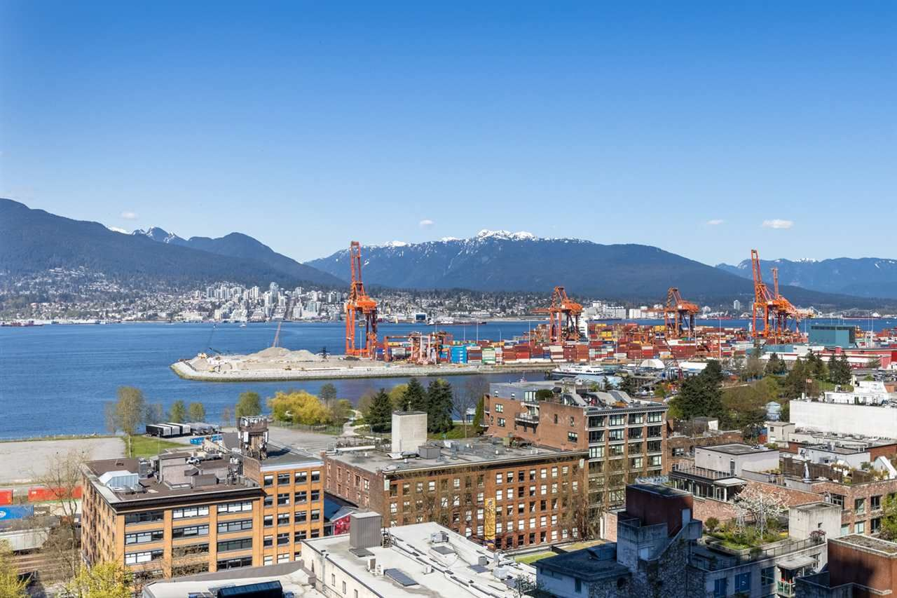 """Main Photo: 1503 108 W CORDOVA Street in Vancouver: Downtown VW Condo for sale in """"Woodwards"""" (Vancouver West)  : MLS®# R2571397"""