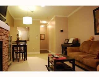 """Photo 2: 402 6742 STATION HILL Court in Burnaby: South Slope Condo for sale in """"WYNDHAM COURT"""" (Burnaby South)  : MLS®# V809972"""