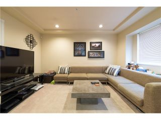 Photo 4: 272 61ST Ave E in Vancouver East: South Vancouver Home for sale ()  : MLS®# V1119950
