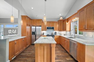 Photo 2: 3530 Promenade Cres in : Co Latoria House for sale (Colwood)  : MLS®# 858692