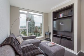 """Photo 10: 1108 1351 CONTINENTAL Street in Vancouver: Downtown VW Condo for sale in """"Maddox"""" (Vancouver West)  : MLS®# R2456999"""