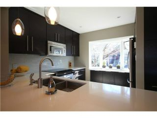"""Photo 3: 1337 W 8TH Avenue in Vancouver: Fairview VW Townhouse for sale in """"FAIRVIEW VILLAGE"""" (Vancouver West)  : MLS®# V1114051"""