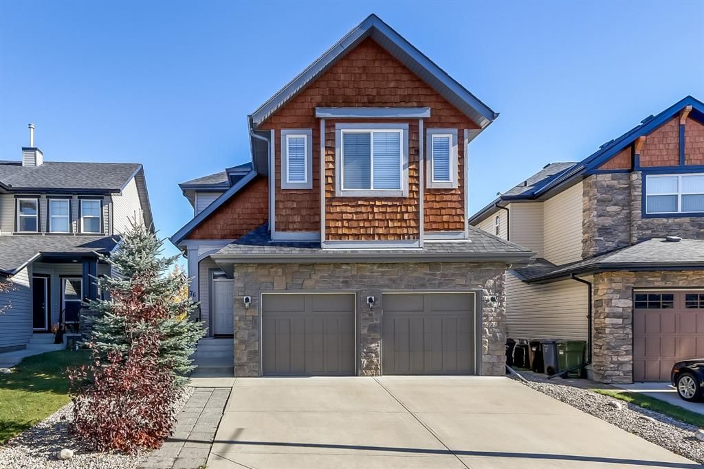 Beautiful full finished walkout on the ridge with city views. Exterior front
