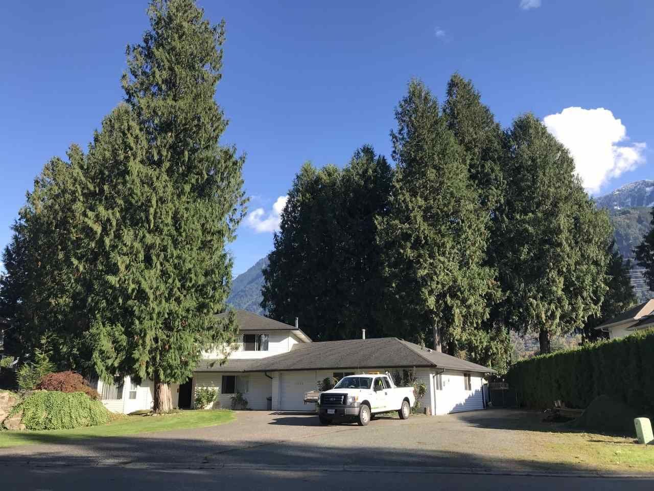 Main Photo: 10000 SUSSEX Drive in Rosedale: Rosedale Popkum House for sale : MLS®# R2509565