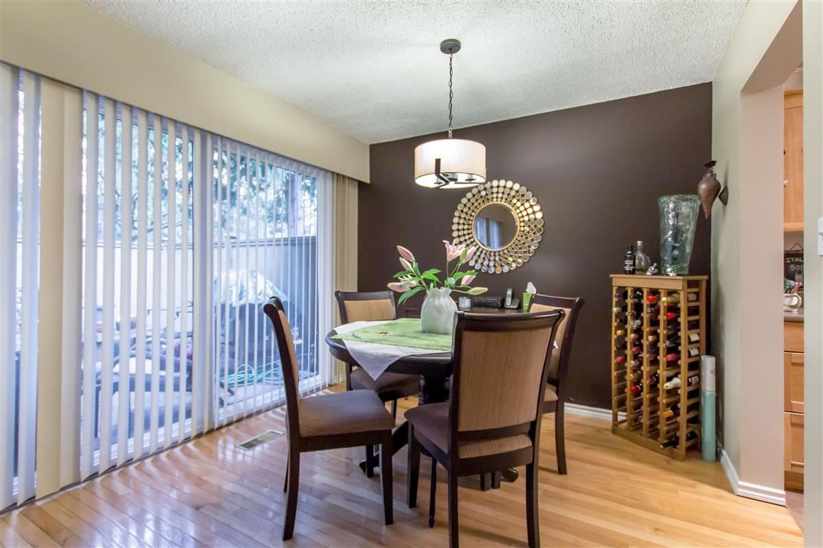 """Photo 5: Photos: 8918 CENTAURUS Circle in Burnaby: Simon Fraser Hills Townhouse for sale in """"Simon Fraser Hills"""" (Burnaby North)  : MLS®# R2347443"""