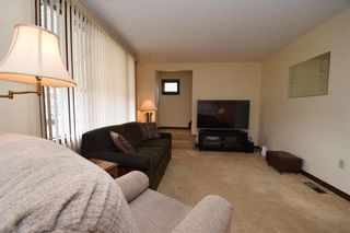 Photo 7: 231 Perth Avenue in Winnipeg: West Kildonan Residential for sale (4D)  : MLS®# 202107933