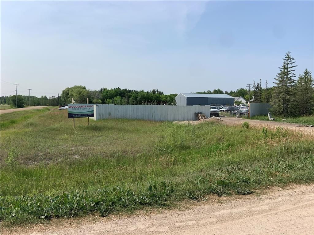 Main Photo: 4 Hogg Street in Woodlands: Industrial / Commercial / Investment for sale (R12)  : MLS®# 202118072