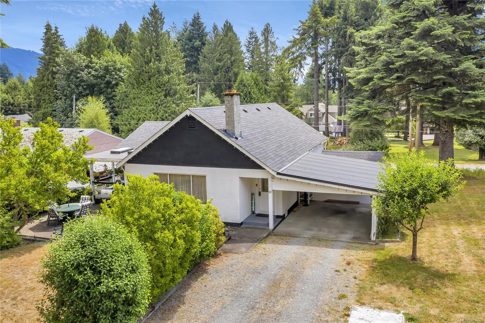 Welcome to 62 North Shore Road in beautiful Lake Cowichan!