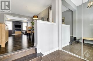 Photo 2: 137 FLOWING CREEK CIRCLE in Ottawa: House for sale : MLS®# 1265124