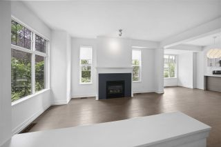 """Photo 11: 990 W 58TH Avenue in Vancouver: South Cambie Townhouse for sale in """"Churchill Gardens"""" (Vancouver West)  : MLS®# R2472481"""