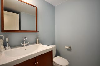 Photo 9: 207 1750 West 10th Ave in Regency House: Home for sale : MLS®# V887771
