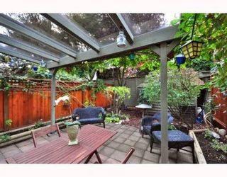 Photo 5: 104 1922 7TH Ave in Vancouver West: Home for sale : MLS®# V795218