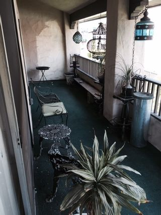 Photo 3: BAY PARK Condo for sale : 2 bedrooms : 2540 Clairemont #302 in San Diego