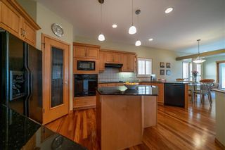 Photo 5: 63 WINTERHAVEN Drive in Winnipeg: River Park South Residential for sale (2F)  : MLS®# 202105931
