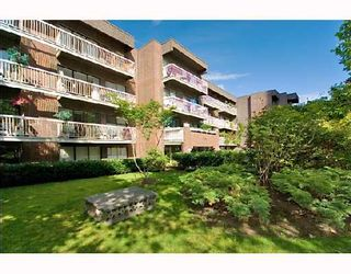 """Photo 1: 105 1655 NELSON Street in Vancouver: West End VW Condo for sale in """"HAMSTEAD MANOR"""" (Vancouver West)  : MLS®# V657171"""