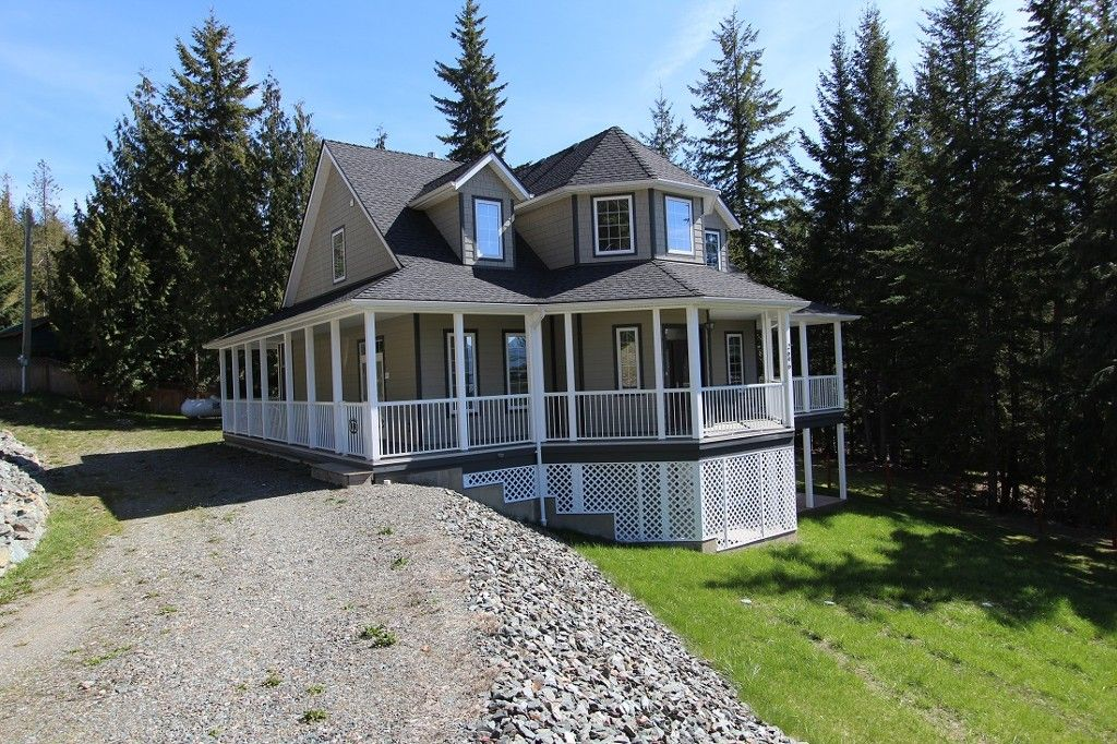 Main Photo: 2696 Fraser Road in Anglemont: North Shuswap House for sale (Shuswap)  : MLS®# 10114033