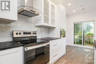 Photo 2: 844 MAPLEWOOD AVENUE in Ottawa: House for sale : MLS®# 1265715