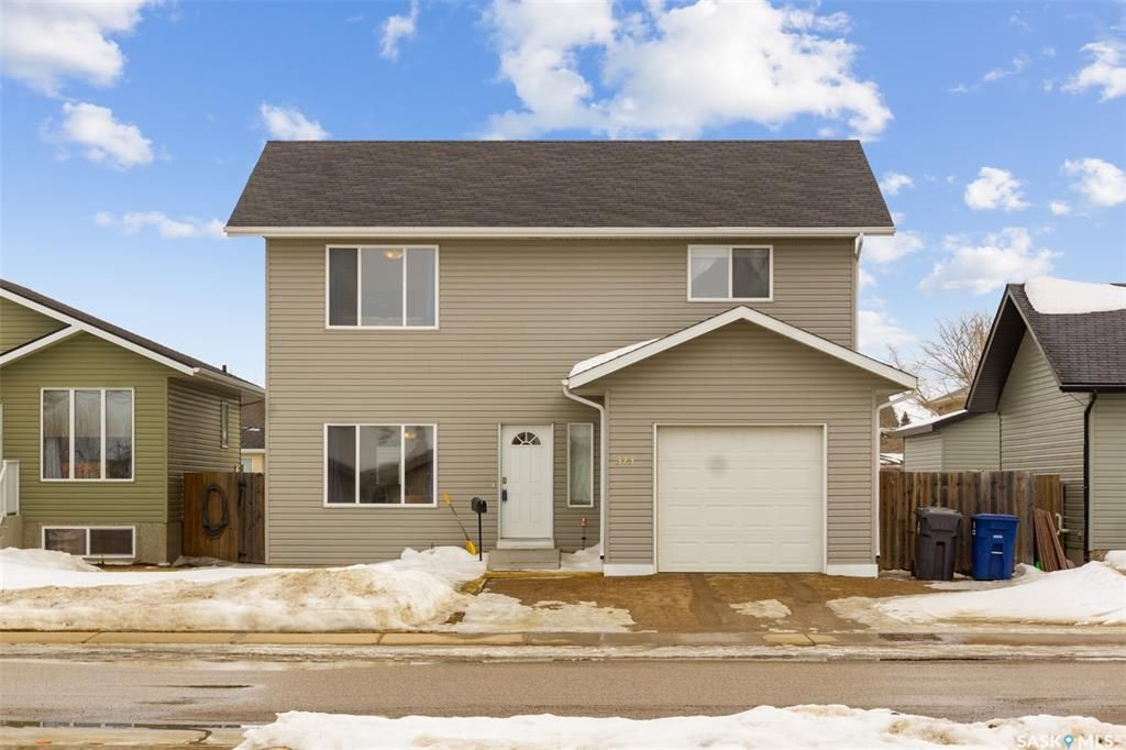 Main Photo: 313 1st Avenue North in Martensville: Residential for sale : MLS®# SK850272
