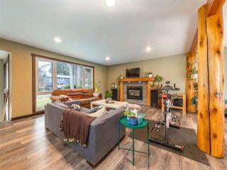Photo 2: 40435 FRIEDEL Crescent in Squamish: Garibaldi Highlands House for sale : MLS®# R2561568