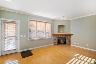 Photo 9: 429 19 Avenue NE in Calgary: Winston Heights/Mountview Semi Detached for sale : MLS®# A1063188