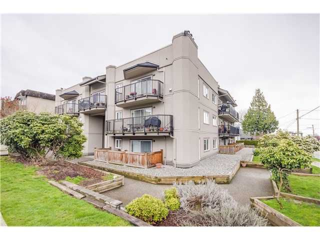 """Main Photo: 307 620 BLACKFORD Street in New Westminster: Uptown NW Condo for sale in """"DEERWOOD COURT"""" : MLS®# V1055259"""