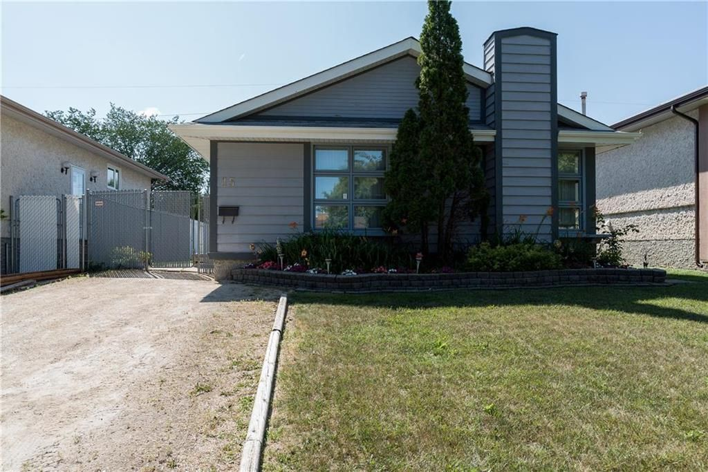 Main Photo: 15 Cambie Road in Winnipeg: Lakeside Meadows Residential for sale (3K)  : MLS®# 202018420