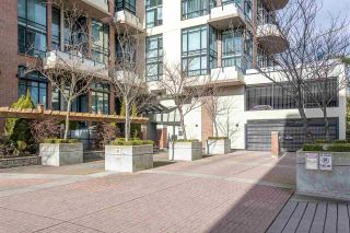 "Photo 3: 503 10 RENAISSANCE Square in New Westminster: Quay Condo for sale in ""MURANO LOFTS"" : MLS®# R2535946"