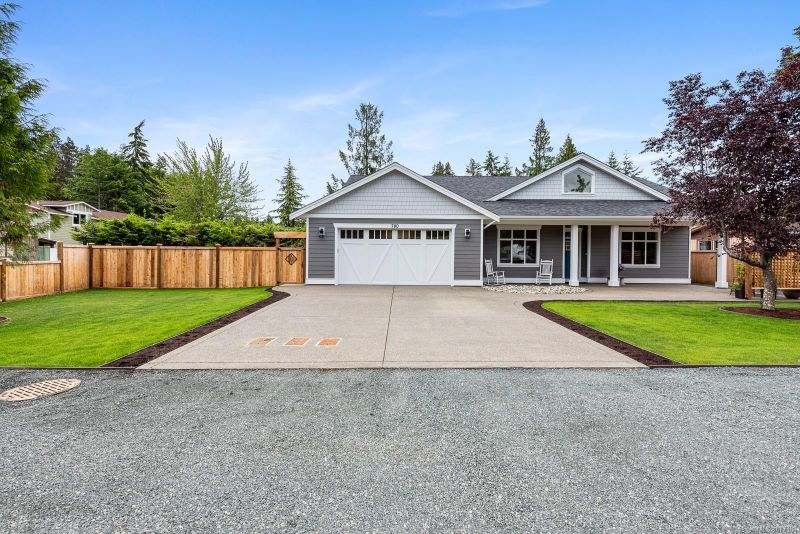 FEATURED LISTING: 780 SANDERSON Rd