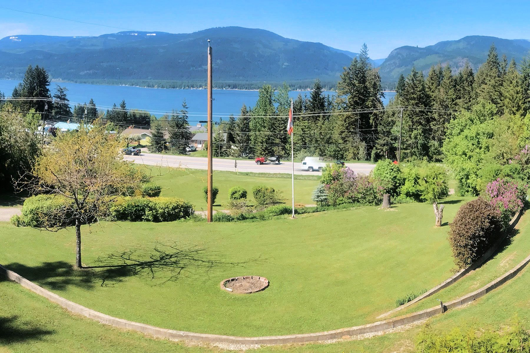 Photo 7: Photos: 1350 Trans Canada Highway in Sorrento: House for sale : MLS®# 10225818