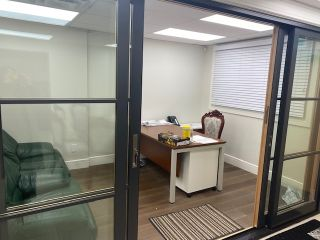 Photo 3: 1381 MARINE Drive in West Vancouver: Ambleside Office for lease : MLS®# C8035834