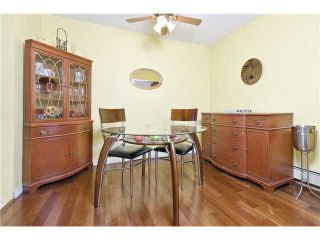 "Photo 3: 205 707 GLOUCESTER Street in New Westminster: Uptown NW Condo for sale in ""ROYAL MEWS"" : MLS®# V975010"