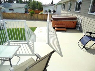 Photo 7: 586 OTTER Crescent in Prince George: Lakewood House for sale (PG City West (Zone 71))  : MLS®# R2398593
