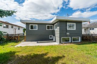 Photo 3: 474 - 482 MOFFAT Street in Prince George: Quinson Duplex for sale (PG City West (Zone 71))  : MLS®# R2370711