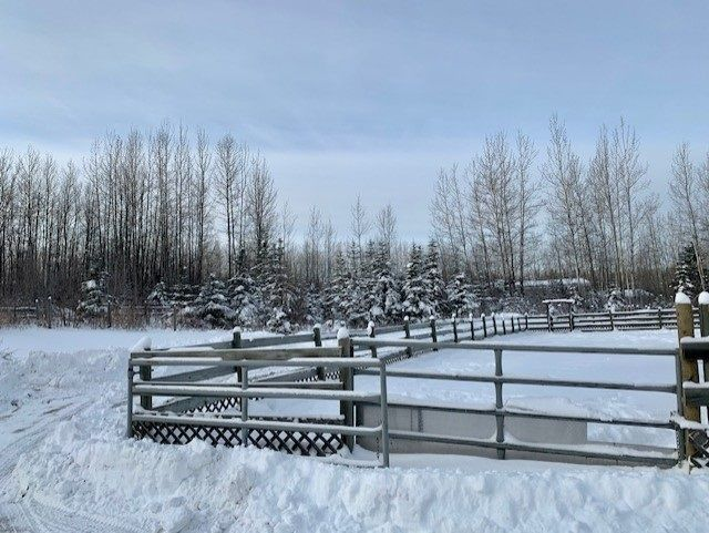 """Photo 6: Photos: 7 TAZMA Crescent in Fort Nelson: Fort Nelson - Rural House for sale in """"FEDIW"""" (Fort Nelson (Zone 64))  : MLS®# R2516211"""