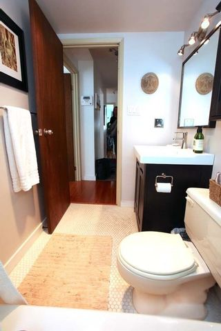 """Photo 13: 212 131 W 4TH Street in North Vancouver: Lower Lonsdale Condo for sale in """"Nottingham Place"""" : MLS®# R2239655"""