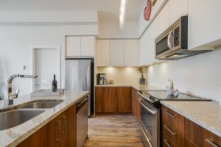 "Photo 7: 403 6450 194 Street in Surrey: Clayton Condo for sale in ""Waterstone"" (Cloverdale)  : MLS®# R2574170"