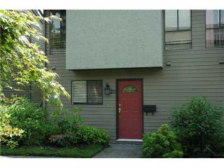 "Photo 3: 20 220 E 11TH Street in North Vancouver: Central Lonsdale Townhouse for sale in ""Cedar Court"" : MLS®# V970976"