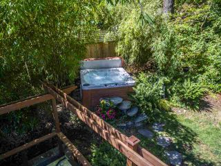 Photo 36: 3751 ROBLIN Place in North Vancouver: Princess Park House for sale : MLS®# R2485057