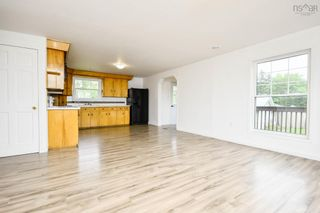 Photo 4: 8 Club Road in Hatchet Lake: 40-Timberlea, Prospect, St. Margaret`S Bay Residential for sale (Halifax-Dartmouth)  : MLS®# 202121836