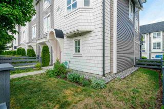 """Photo 2: 30 8438 207A Street in Langley: Willoughby Heights Townhouse for sale in """"YORK by Mosaic"""" : MLS®# R2396335"""