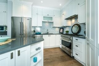 """Photo 10: 512 14855 THRIFT Avenue: White Rock Condo for sale in """"THE ROYCE"""" (South Surrey White Rock)  : MLS®# R2289976"""