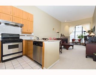 Photo 5: 2181 W 10TH Ave in Vancouver: Kitsilano Condo for sale (Vancouver West)  : MLS®# V636352