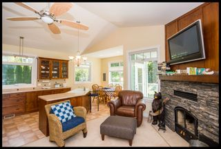 Photo 30: 3513 Eagle Bay Road in Eagle Bay: Waterfront House for sale : MLS®# 10100248