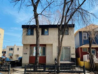 Photo 3: 209 Langside Street in Winnipeg: West Broadway Residential for sale (5A)  : MLS®# 202009154