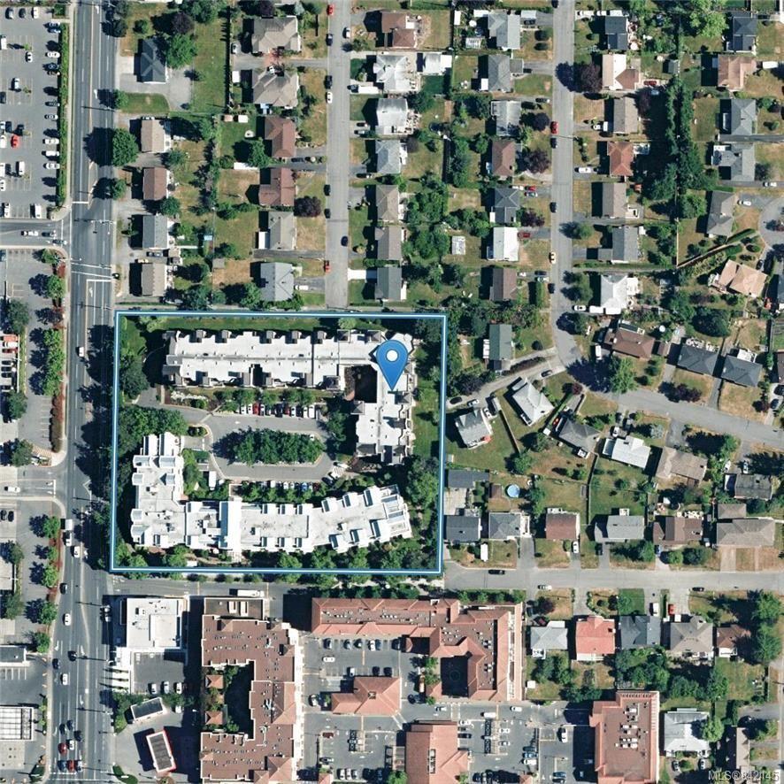 Photo 35: Photos: 322 3969 Shelbourne St in Saanich: SE Lambrick Park Condo for sale (Saanich East)  : MLS®# 842145