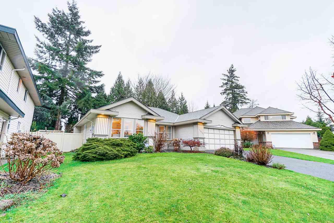 Main Photo: 16282 86B AVENUE in Surrey: Fleetwood Tynehead House for sale : MLS®# R2525413